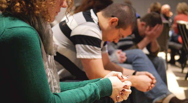 Samen bidden kleine zaal